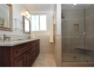 Photo 9: PACIFIC BEACH Home for sale or rent : 3 bedrooms : 3920 Riviera #V