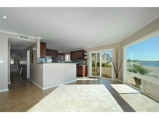 Photo 4: PACIFIC BEACH Home for sale or rent : 3 bedrooms : 3920 Riviera #V