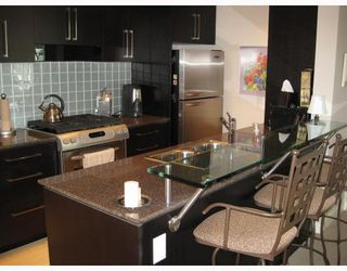 Photo 3: 803 638 BEACH Crescent in Vancouver: False Creek North Condo for sale (Vancouver West)  : MLS®# V778344