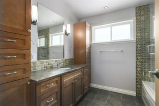 Photo 7: 1663 PIERARD Road in North Vancouver: Lynn Valley House for sale : MLS®# R2388430