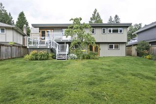 Photo 2: 1663 PIERARD Road in North Vancouver: Lynn Valley House for sale : MLS®# R2388430
