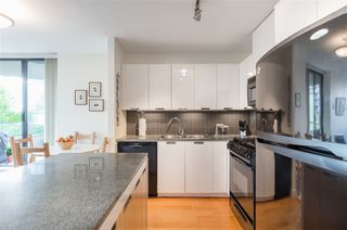 "Photo 9: 403 151 W 2ND Street in North Vancouver: Lower Lonsdale Condo for sale in ""SKY"" : MLS®# R2389638"