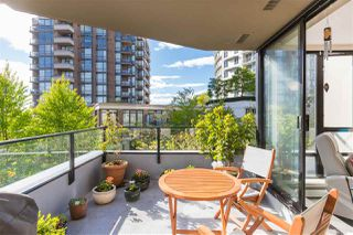 "Photo 19: 403 151 W 2ND Street in North Vancouver: Lower Lonsdale Condo for sale in ""SKY"" : MLS®# R2389638"