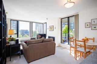 "Photo 10: 403 151 W 2ND Street in North Vancouver: Lower Lonsdale Condo for sale in ""SKY"" : MLS®# R2389638"