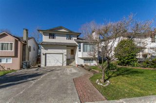 Photo 1: 122 CROTEAU Court in Coquitlam: Cape Horn House for sale : MLS®# R2444071