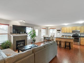 Photo 3: 82 STRATHCONA Way in CAMPBELL RIVER: CR Willow Point House for sale (Campbell River)  : MLS®# 836664