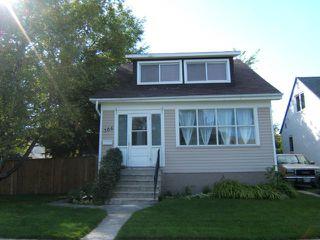 Photo 1: 306 BELVIDERE Street in WINNIPEG: St James Residential for sale (West Winnipeg)  : MLS®# 1018295