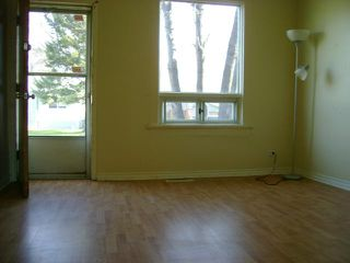 Photo 2: 356 KENSINGTON Street in WINNIPEG: St James Residential for sale (West Winnipeg)  : MLS®# 1021814