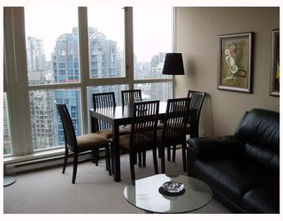"Photo 2: 2506 1199 SEYMOUR Street in Vancouver: Downtown VW Condo for sale in ""BRAVA"" (Vancouver West)  : MLS®# V727357"