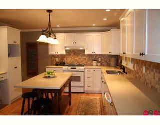 """Photo 3: 12673 15TH Avenue in Surrey: Crescent Bch Ocean Pk. House for sale in """"OCEAN PARK"""" (South Surrey White Rock)  : MLS®# F2833426"""