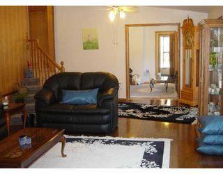 Photo 4: 24065 RIVER Road in LORETTE: Dufresne / Landmark / Lorette / Ste. Genevieve Single Family Detached for sale (Winnipeg area)  : MLS®# 2617599