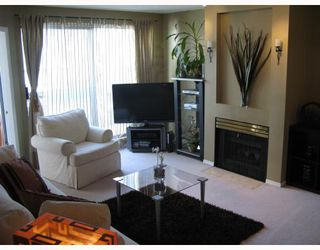"Photo 2: 402 2915 GLEN Drive in Coquitlam: North Coquitlam Condo for sale in ""GLENBOROUGH"" : MLS®# V758853"