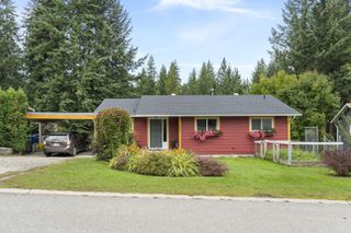 Photo 1: 2861 Southeast 5 Avenue in Salmon Arm: Field of Dreams House for sale (SE Salmon Arm)  : MLS®# 10192311