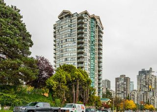 "Main Photo: 204 121 TENTH Street in New Westminster: Uptown NW Condo for sale in ""VISTA - ROYAL"" : MLS®# R2411266"
