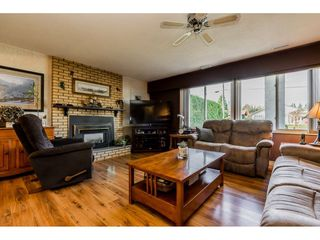 """Photo 4: 4772 238 Street in Langley: Salmon River House for sale in """"Salmon River"""" : MLS®# R2417126"""