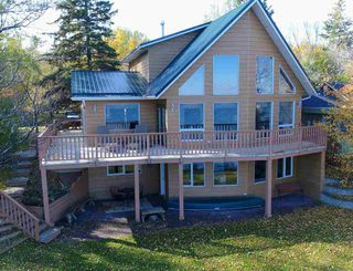 Photo 3: 90 Crystal Springs Drive: Rural Wetaskiwin County House for sale : MLS®# E4179028
