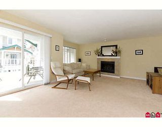 "Photo 2: 126 12711 64TH Avenue in Surrey: West Newton Townhouse for sale in ""PALETTE ON THE PARK"" : MLS®# F2917846"