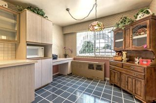 Photo 11: 2764 E 54TH AVENUE in Vancouver: Fraserview VE House for sale (Vancouver East)  : MLS®# R2189038