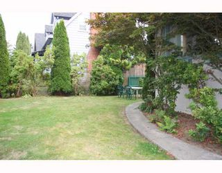 Photo 10: 824 E 19TH Avenue in Vancouver: Fraser VE House Fourplex for sale (Vancouver East)  : MLS®# V783423