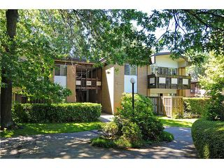 "Photo 1: 2 5575 OAK Street in Vancouver: Shaughnessy Condo for sale in ""Shawnoaks"" (Vancouver West)  : MLS®# V841784"
