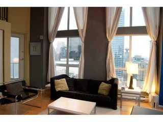 "Photo 1: 1212 933 SEYMOUR Street in Vancouver: Downtown VW Condo for sale in ""THE SPOT"" (Vancouver West)  : MLS®# V850633"