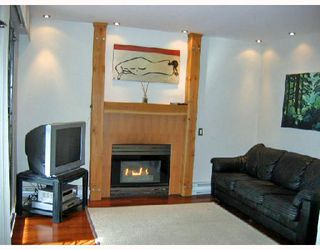 "Photo 2: 106 2133 DUNDAS Street in Vancouver: Hastings Condo for sale in ""HARBOUR GATE"" (Vancouver East)  : MLS®# V724232"