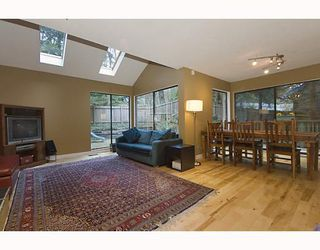 Photo 2: 1482 ROSS Road in North_Vancouver: Lynn Valley House for sale (North Vancouver)  : MLS®# V759338