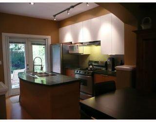 Photo 3: 2134 W 8TH Avenue in Vancouver: Kitsilano Townhouse for sale (Vancouver West)  : MLS®# V772385