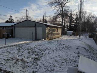 Photo 3: 15421 95 Avenue in Edmonton: Zone 22 House for sale : MLS®# E4179196