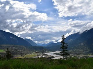 Photo 1: 430 REDDEN ROAD: Lillooet Manufactured Home/Prefab for sale (South West)  : MLS®# 154772