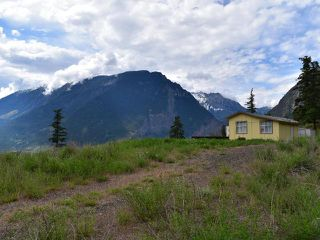 Photo 2: 430 REDDEN ROAD: Lillooet Manufactured Home/Prefab for sale (South West)  : MLS®# 154772
