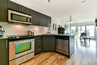 "Photo 4: 411 8915 202 Street in Langley: Walnut Grove Condo for sale in ""HAWTHORNE"" : MLS®# R2437607"