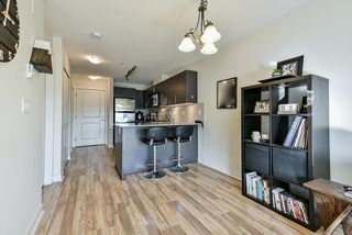 "Photo 7: 411 8915 202 Street in Langley: Walnut Grove Condo for sale in ""HAWTHORNE"" : MLS®# R2437607"