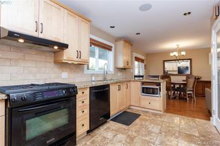 Photo 13: 3225 Mallow Court in VICTORIA: La Walfred Single Family Detached for sale (Langford)  : MLS®# 423419