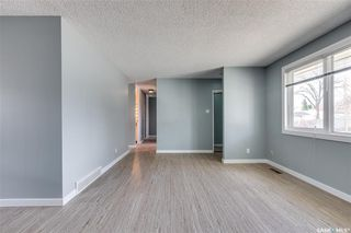 Photo 5: 99 Lindsay Drive in Saskatoon: Greystone Heights Residential for sale : MLS®# SK806364