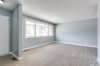 Photo 3: 99 Lindsay Drive in Saskatoon: Greystone Heights Residential for sale : MLS®# SK806364