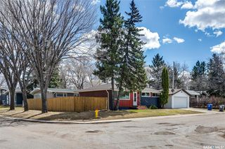 Photo 2: 99 Lindsay Drive in Saskatoon: Greystone Heights Residential for sale : MLS®# SK806364