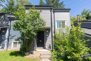 Photo 3: 2620 TRETHEWAY DRIVE in Burnaby: Montecito Townhouse for sale (Burnaby North)  : MLS®# R2475212