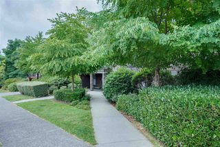 Photo 2: 305 1585 E 4TH Avenue in Vancouver: Grandview Woodland Condo for sale (Vancouver East)  : MLS®# R2480815