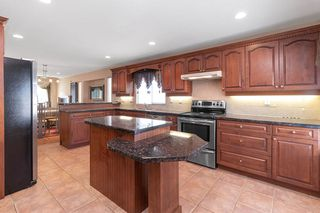 Photo 7: 2119 TURNBERRY Lane in Coquitlam: Westwood Plateau House for sale : MLS®# R2505504