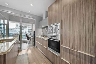 "Photo 2: 609 1633 ONTARIO Street in Vancouver: False Creek Condo for sale in ""Kayak - Village on False Creek"" (Vancouver West)  : MLS®# R2528117"
