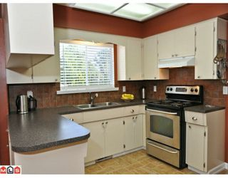 Photo 2: 2210 MARTENS Street in Abbotsford: Poplar House for sale : MLS®# F1003280