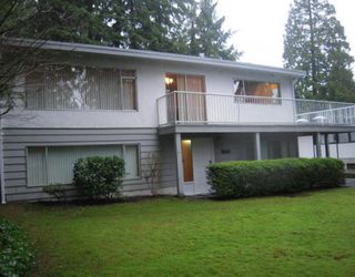 "Photo 1: 1580 COLEMAN Street in North Vancouver: Lynn Valley House for sale in ""Upper Lynn Valley"" : MLS®# V812014"