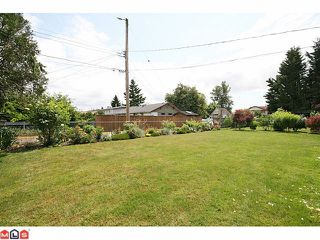 Photo 3: 6022 175A Street in Surrey: Cloverdale BC House for sale (Cloverdale)  : MLS®# F1102917