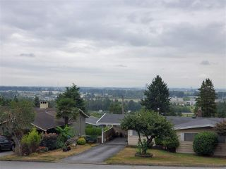 Photo 4: 4791 CARSON Place in Burnaby: South Slope House for sale (Burnaby South)  : MLS®# R2398135