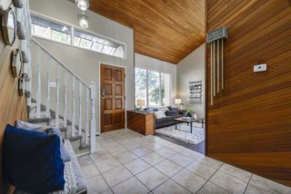 Photo 2: 2437 106A Street in Edmonton: Zone 16 House for sale : MLS®# E4181083