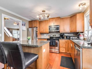"Photo 8: 5 11534 207 Street in Maple Ridge: Southwest Maple Ridge Townhouse for sale in ""Brittany Court"" : MLS®# R2439867"