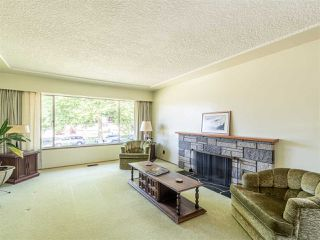 Photo 10: 6572 BUTLER Street in Vancouver: Killarney VE House for sale (Vancouver East)  : MLS®# R2471022