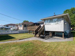 Photo 4: 6572 BUTLER Street in Vancouver: Killarney VE House for sale (Vancouver East)  : MLS®# R2471022