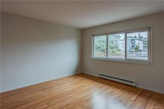 Photo 8: 621 Constance Ave in Esquimalt: Es Esquimalt Quadruplex for sale : MLS®# 842594